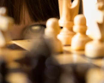 chess-eyes